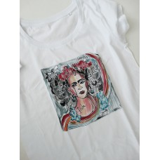 Handpainted T-shirt Frida